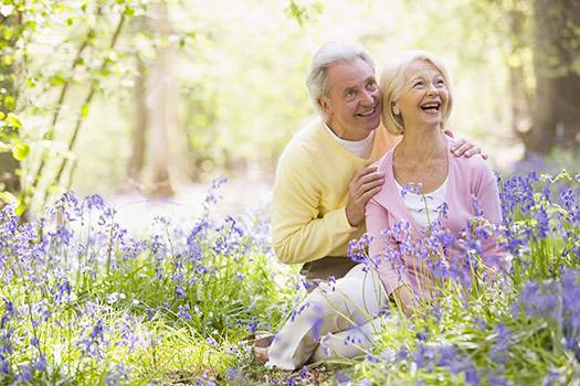 Senior-Couple-in-Park